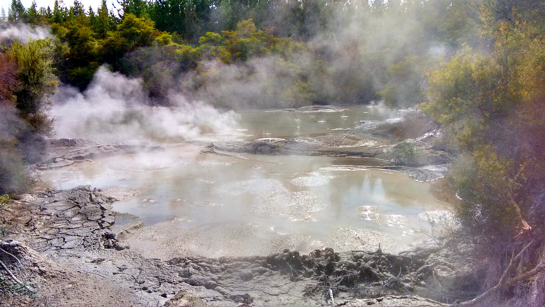 nat-NZ-rotorua-waiotapu-mud_pools