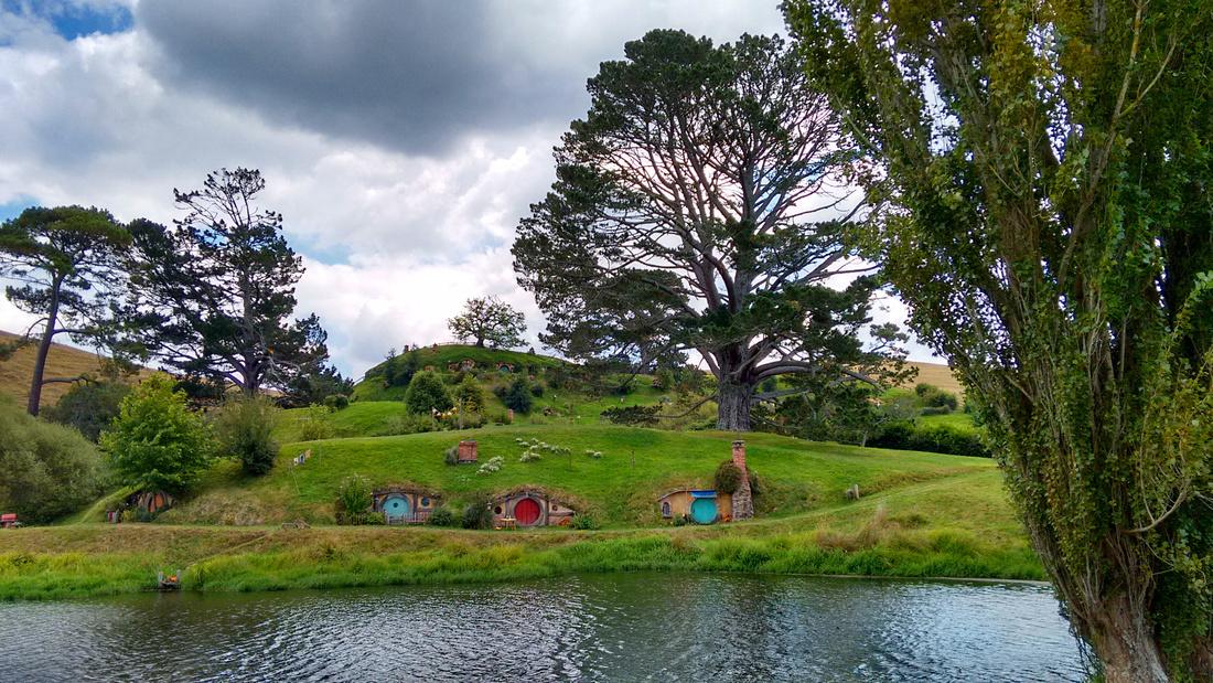 str-NZ-hobbiton-hobbit_hole-6