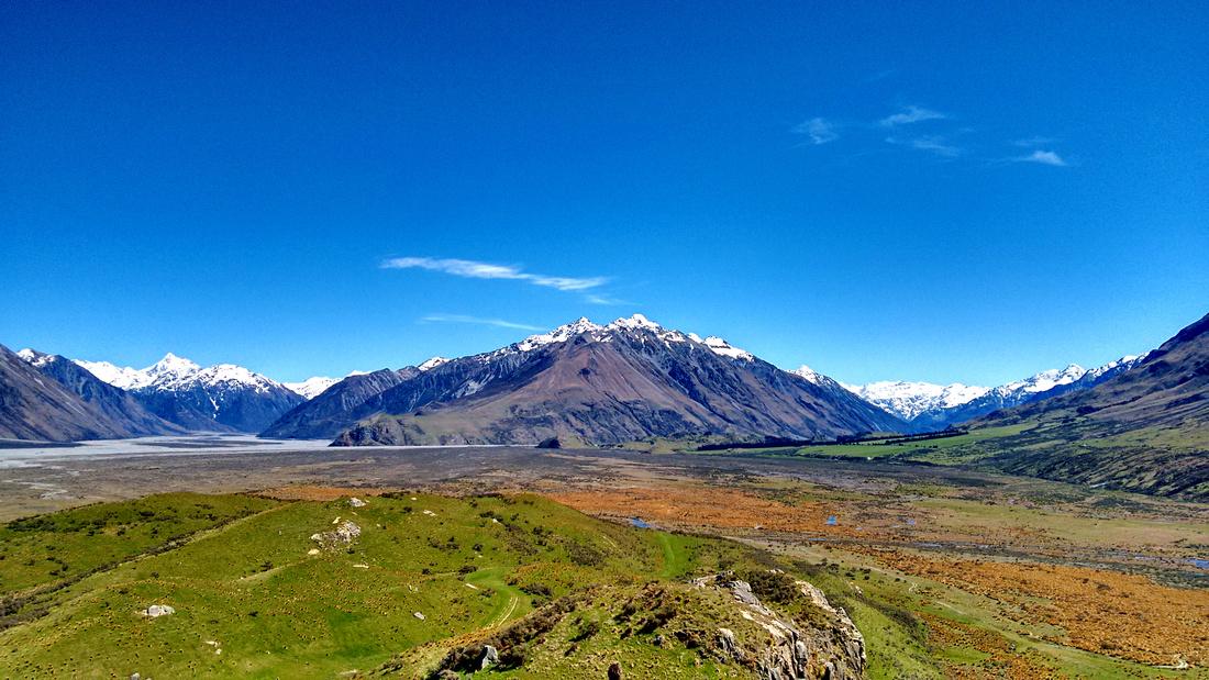 nat-NZ-canterbury-edoras-view-3