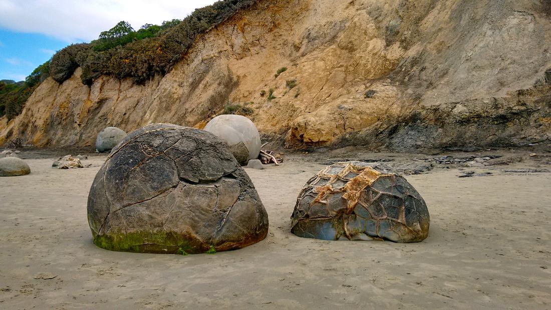 nat-NZ-otago-moeraki_boulders-1