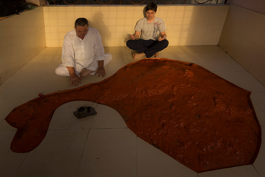tom-MAH-ganapatepule-swayambhu-1 copy
