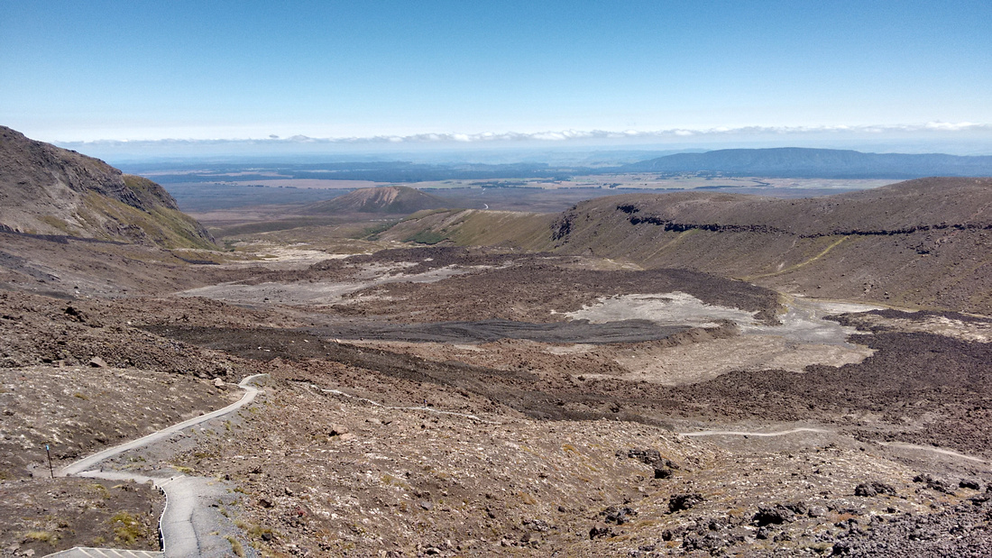 4-nat-NZ-tongariro-looking_back_at_the_path-1