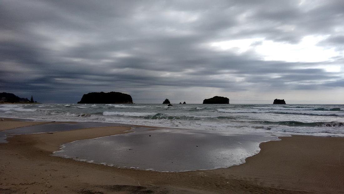 bea-NZ-whangamata_beach