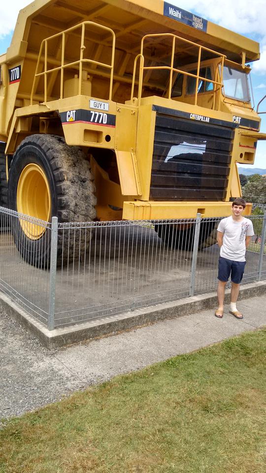 tom-NZ-waihi-goldmine_truck