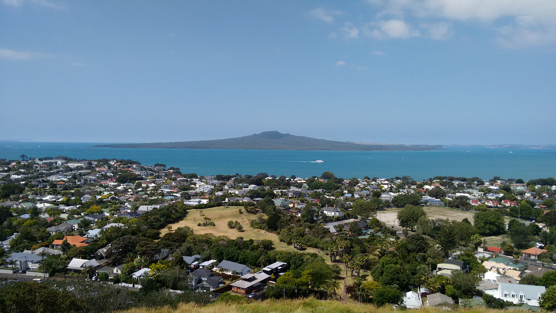 cit-NZ-auckland-rangitoto-island_from_mt_victoria