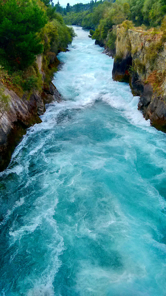 nat-NZ-taupo-huka_falls-2